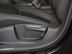 2017款230TSI 手动舒适型 座椅调节
