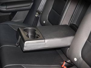 2017款230TSI 手动舒适型 后排中央扶手