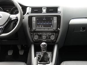 2017款230TSI 手动舒适型 中控台