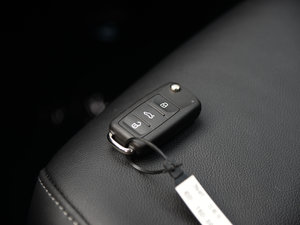 2017款230TSI 手动舒适型 钥匙