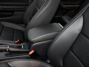 2017款230TSI DSG舒适型 前排中央扶手