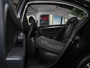 2017款230TSI 手动豪华型 后排座椅放倒