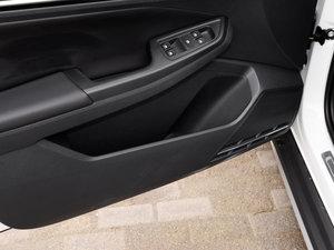 2017款230TSI DSG舒适型 车门储物空间
