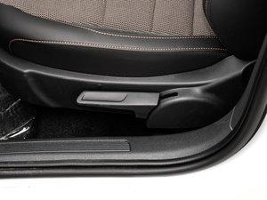 2017款230TSI DSG舒适型 座椅调节