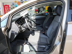 2017款1.6L 自动舒适百万辆纪念版 前排空间