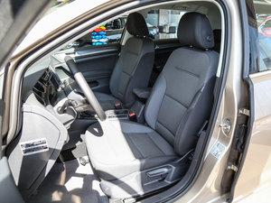 2017款1.6L 自动舒适百万辆纪念版 前排座椅