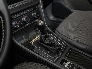 2017款230TSI 自动舒适百万辆纪念版 变速挡杆