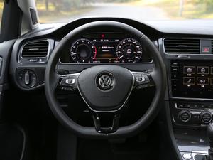 2018款280TSI 自动旗舰型 方向盘