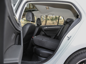 2018款230TSI 自动豪华型 后排座椅放倒