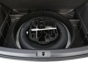 2018款230TSI 自动豪华型 备胎
