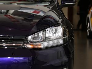 2018款1.6L 自动舒适型 头灯