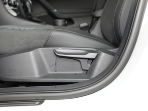 2018款1.6L 自动舒适型 座椅调节