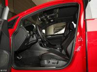 空间座椅高尔夫GTI前排空间