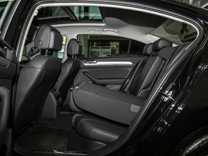 2018款280TSI DSG 领先型 后排座椅放倒