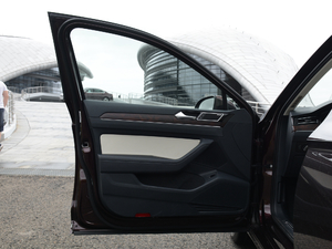 2018款380TSI DSG 旗舰型 驾驶位车门