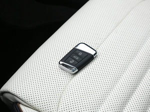 2018款380TSI DSG 旗舰型 钥匙
