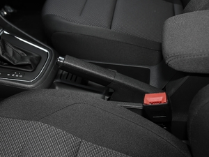 2018款1.5L 自动时尚型 驻车制动器