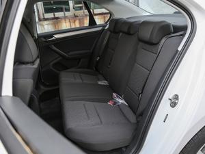 2018款1.5L 自动时尚型 后排座椅