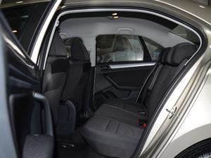2018款1.5L 手动时尚型 后排空间
