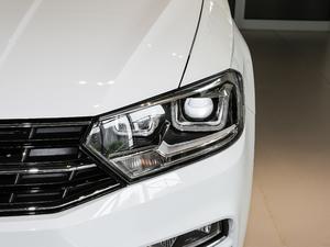2018款1.5L 手动舒适型 头灯