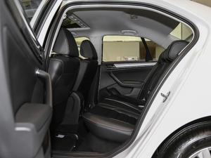 2018款1.5L 手动舒适型 后排空间