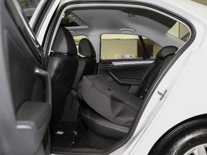 2018款1.5L 手动舒适型 后排座椅放倒