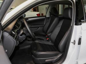 2018款1.5L 手动舒适型 前排座椅