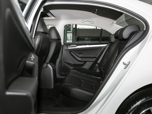 2018款1.6L 自动舒适型 后排空间
