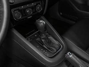 2018款280TSI DSG舒适型 变速挡杆