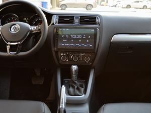 2018款1.6L 自动舒适型 中控台