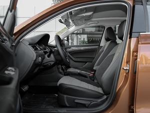 2018款1.5L 自动舒适型 前排空间