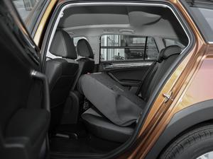 2018款1.5L 自动舒适型 后排座椅放倒