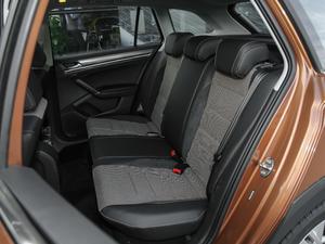 2018款1.5L 自动舒适型 后排座椅