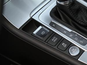 2018款1.8TSI 豪华型 驻车制动器