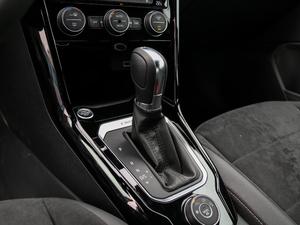2018款280TSI DSG四驱豪华型 变速挡杆