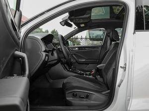 2018款280TSI DSG四驱豪华型 前排空间
