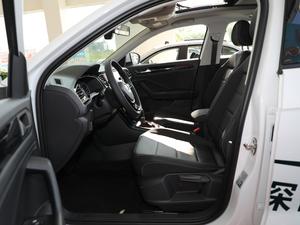 2018款280TSI DSG两驱豪华型 前排空间