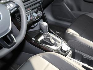 2018款280TSI DSG两驱豪华型 变速挡杆