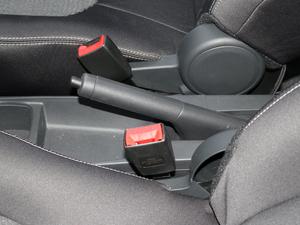 2018款1.4L 手动舒适版 驻车制动器