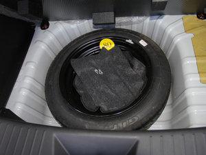 2016款1.5L 手动乐慧版 备胎