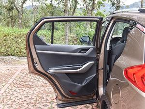 2017款1.6L 手动豪华型 后车门