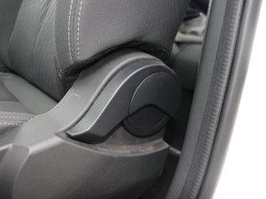 2017款1.6L 手动豪华型 座椅调节