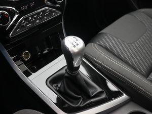 2017款1.6L 手动豪华型 变速挡杆
