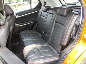 2017款1.6L CVT旗舰型 后排座椅