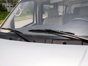2014款1.5L 手动标准型 雨刷