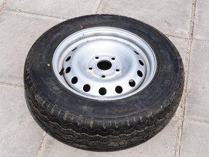2014款1.5L 手动标准型 备胎