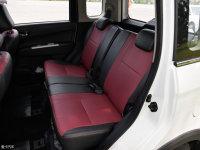 空间座椅欧力威X6后排座椅