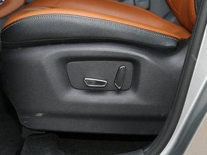 2017款1.5T 自动尊擎版 座椅调节