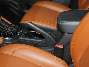 2017款1.5T 自动尊擎版 驻车制动器