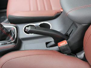 2017款1.5T 手动豪享型  驻车制动器